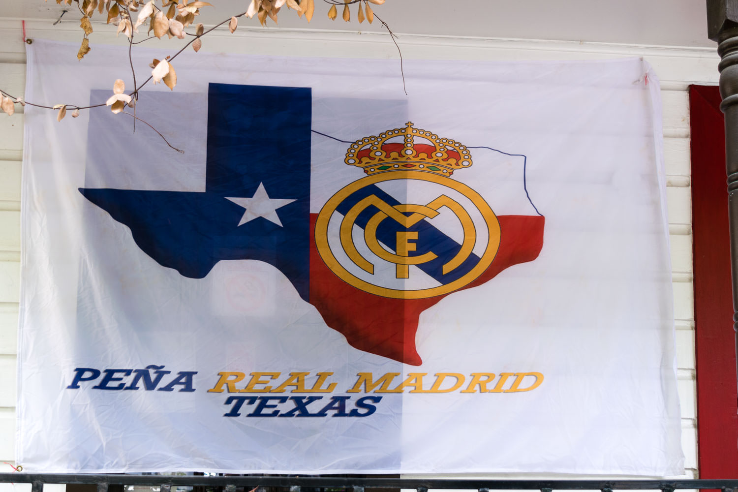 ¿Fan del Real Madrid? - ¡Somos la primera peña oficial del Real Madrid en el estado de Tejas!