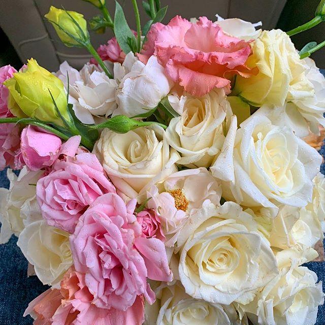 🏃🏾♂️ #brooklynflorist #floralcenterpiece #instaflower #floraldesignersofinstagram #floraldesign #marthastewart #bloomsybox @marthastewart @bloomsybox @versaillesbklyn