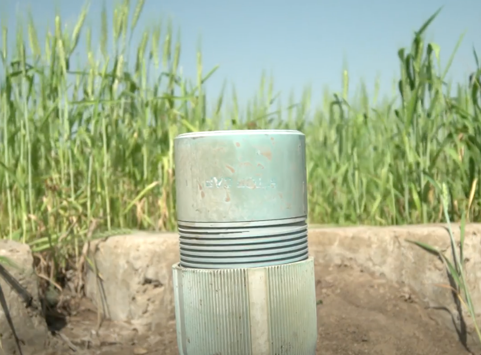 Saving flood waters for irrigation through a simple device