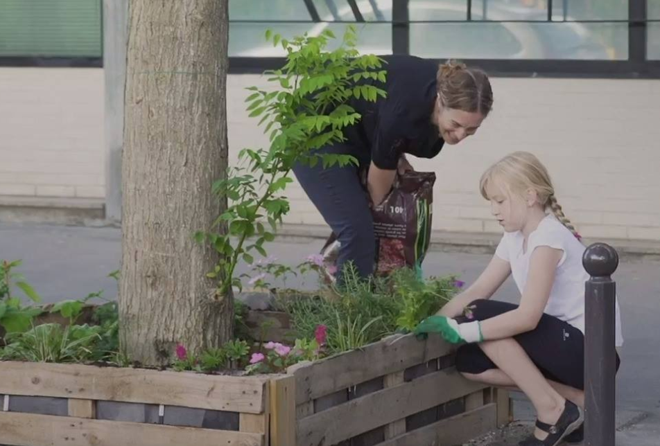 Paris citizens are planting gardens in the street