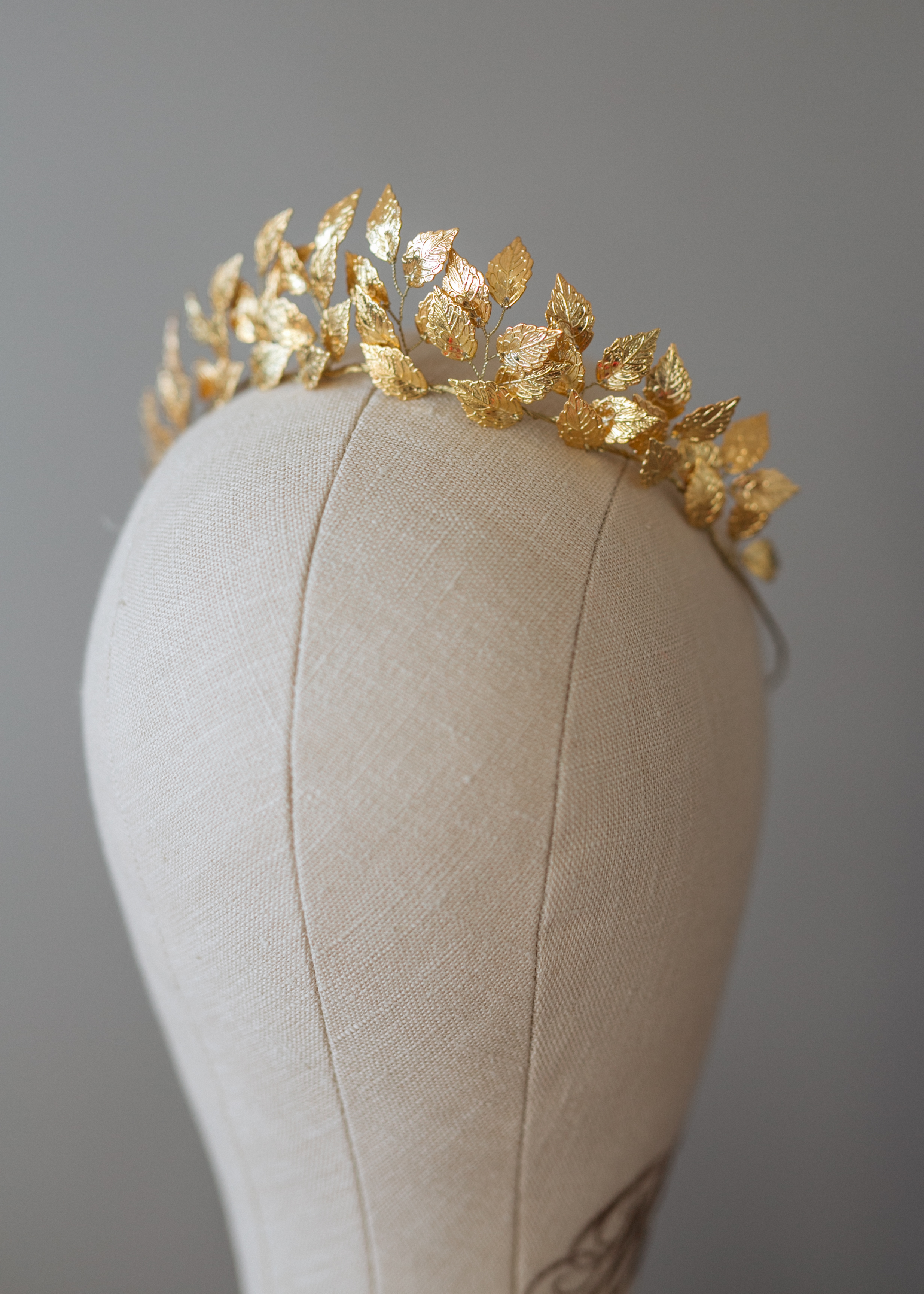 Find your perfect Golden Leaf Headpiece - Handmade in SwitzerlandUnique DesignPossibility to Rush OrdersFree Shipping WorldwideCustomisable OrdersFast response on your questions