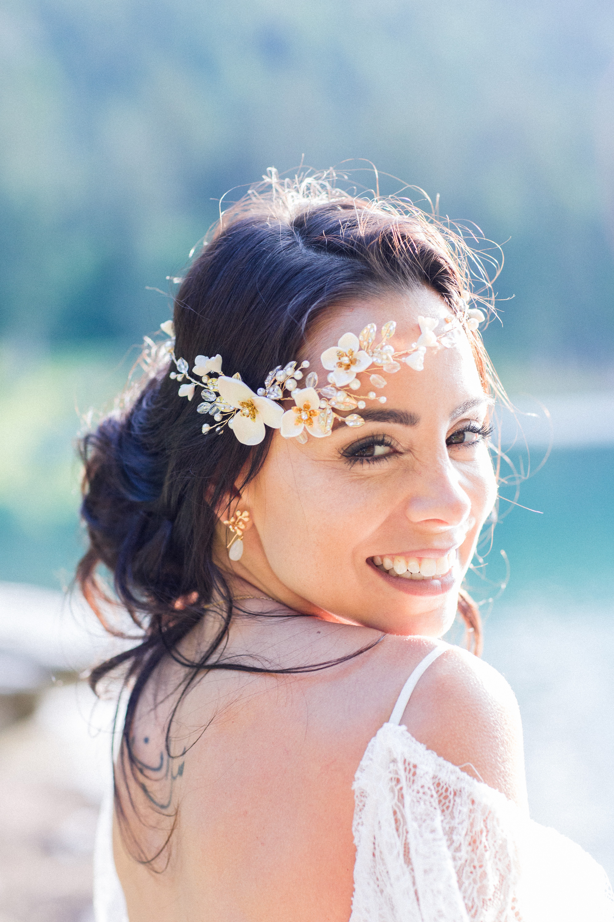 Find your perfect Wedding Headband - Handmade in SwitzerlandUnique DesignPossibility to Rush OrdersFree Shipping WorldwideCustomisable OrdersFast response on your questions