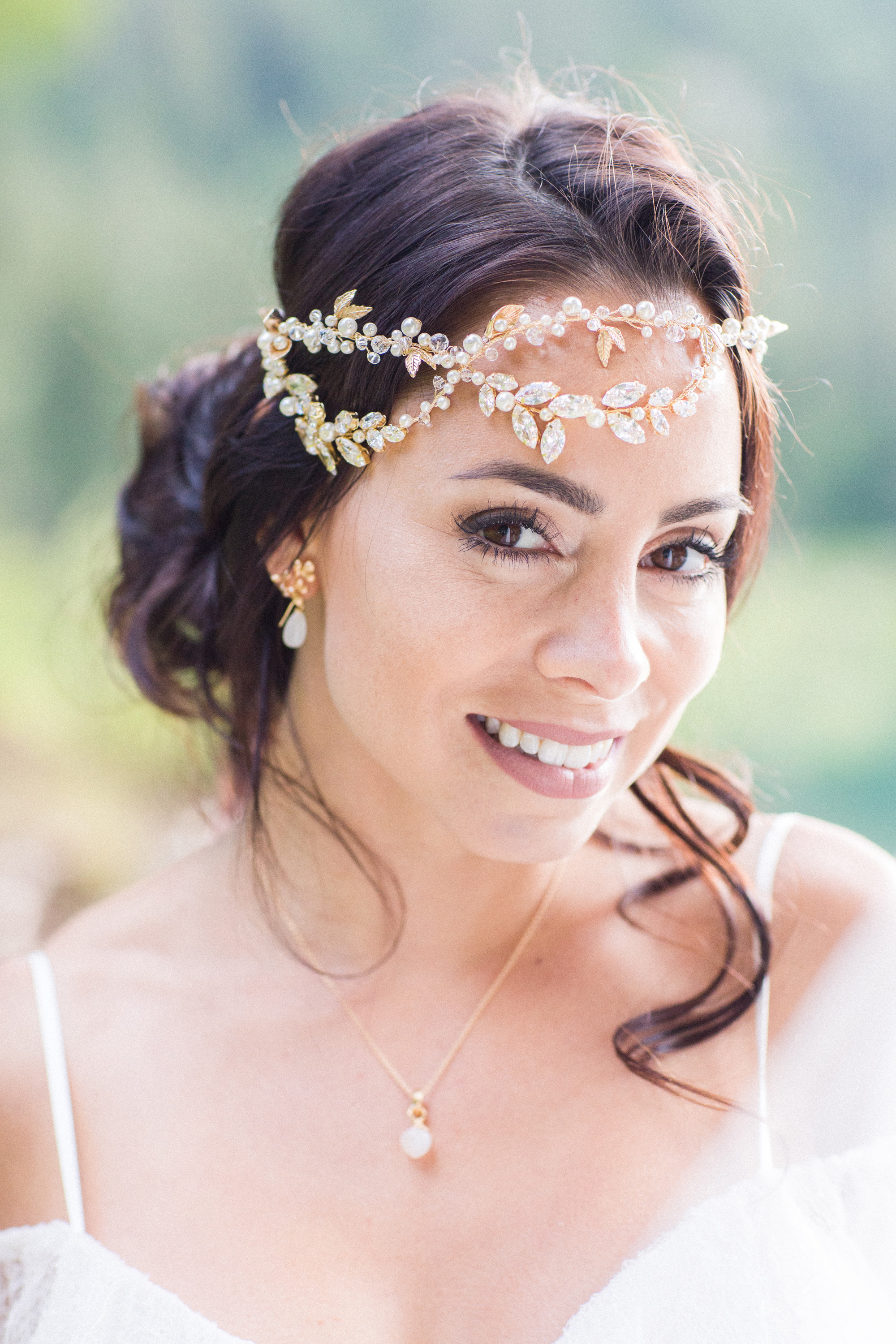 Find your perfect Wedding Hair Piece - Handmade in SwitzerlandUnique DesignPossibility to Rush OrdersFree Shipping WorldwideCustomisable OrdersFast response on your questions