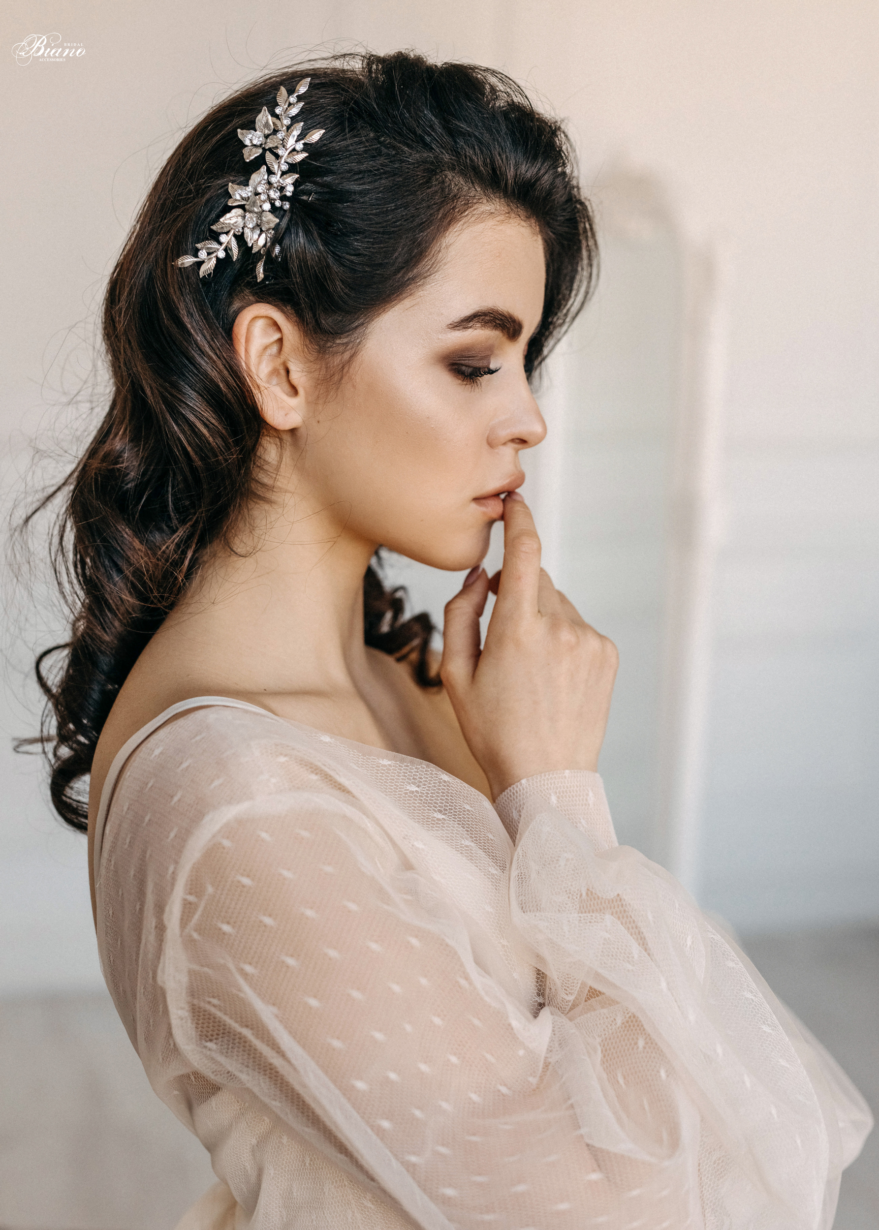 Find your perfect Bridal Hair Comb - Handmade in SwitzerlandUnique DesignPossibility to Rush OrdersFree Shipping WorldwideCustomisable OrdersFast response on your questions