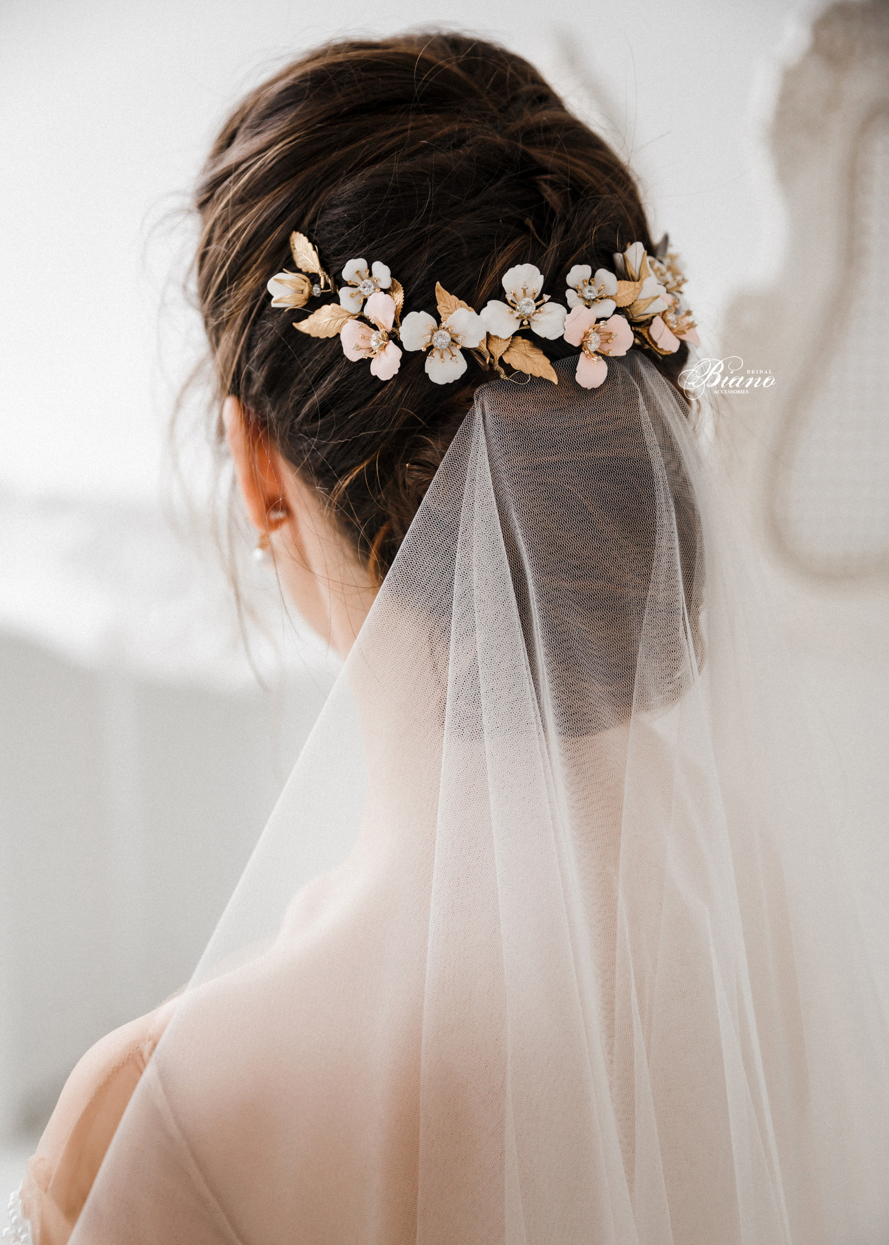 Find your perfect Floral Bridal Back Comb - Handmade in SwitzerlandUnique DesignPossibility to Rush OrdersFree Shipping WorldwideCustomisable OrdersFast response on your questions