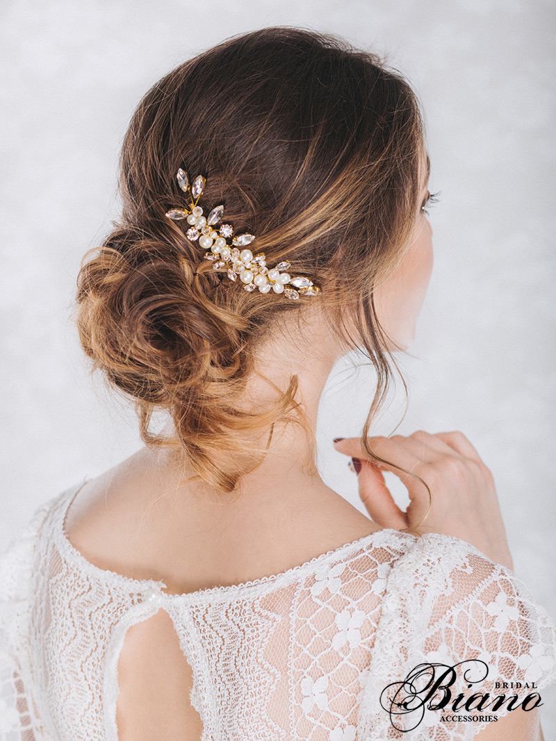 Find your perfect Pearl Hair Comb - Handmade in SwitzerlandUnique DesignPossibility to Rush OrdersFree Shipping WorldwideCustomisable OrdersFast response on your questions
