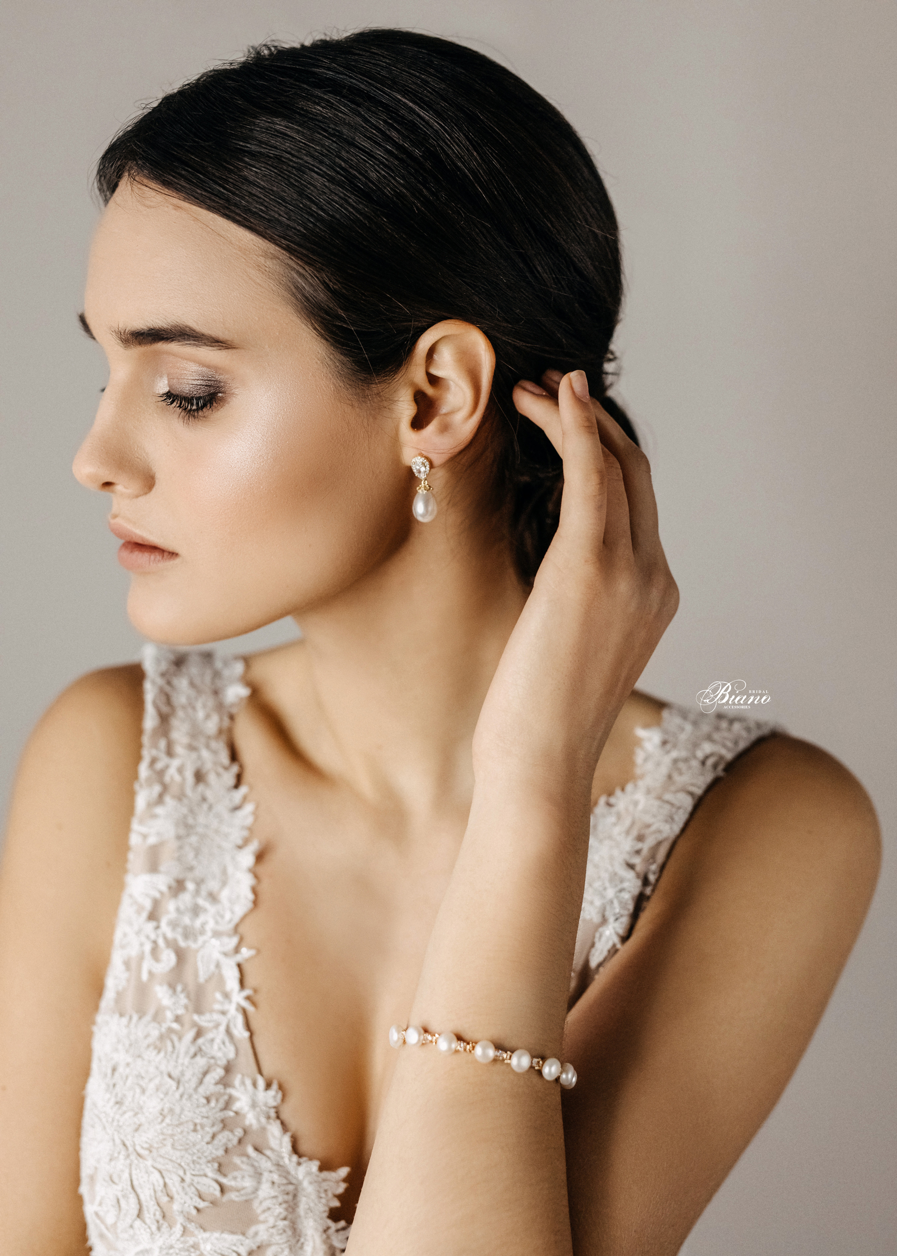 Find your perfect Bridesmaid Earrings - Handmade in SwitzerlandUnique DesignPossibility to Rush OrdersFree Shipping WorldwideCustomisable OrdersFast response on your questions