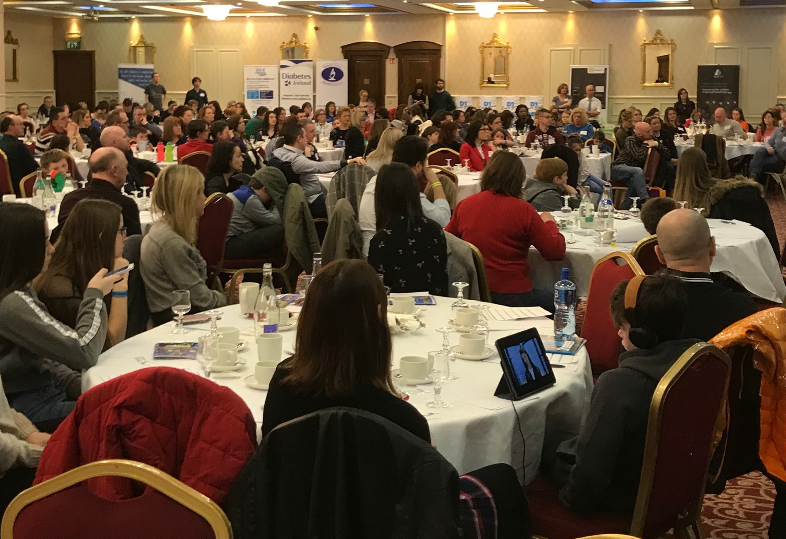 Photo taken at Thriveabetes 2018 in February. Approximately 300 people in this room: all living with diabetes