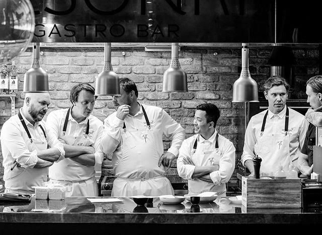 Spending my Friday with some fine gentlemen. 3 of them are Sweden's Årets Kockar, 2 won Finland's Vuoden Kokki, 3 Bocuse d'Or representatives, 2 tv stars.. and the list keeps on going. 🔪🌟 Matti Jämsen, Viktor Westerlind, Micke Björklund, Pi Le, Tommy Myllymäki & Lasse Lindström. ⠀⠀⠀⠀⠀⠀⠀⠀⠀⠀⠀⠀ #starstruck #brinnacreative #sesonki #gastrobarsesonki #järvenpää