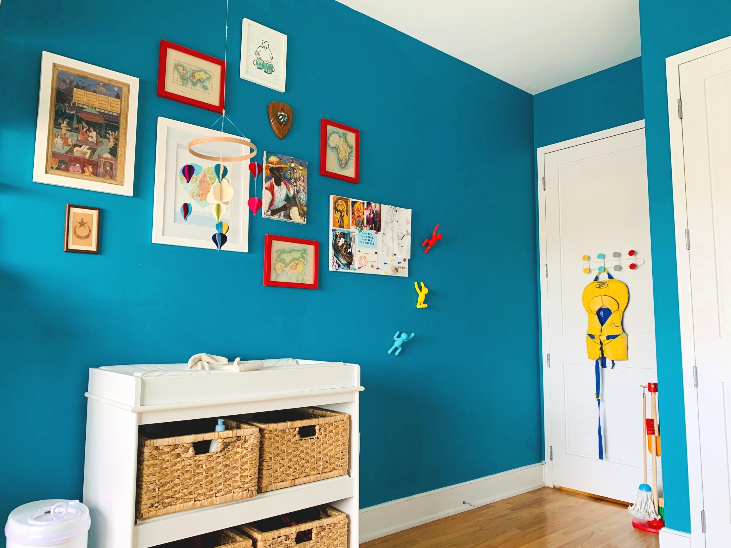 Above:   Red Frames ,  White Frames ,  Magnetic Bulletin Board ,  Magnetic Pins ,  Climber Hooks ,  Over the Door Hook Rack ,  Play Cleaning Set