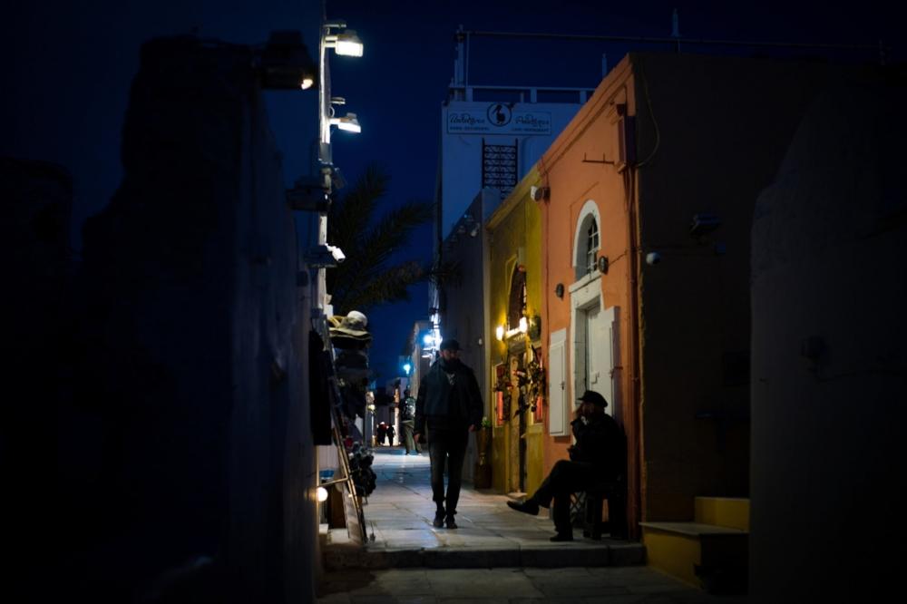 Street scene, Oia, Santorini.  Sony A9, Leica 50mm f1.4 Summilux