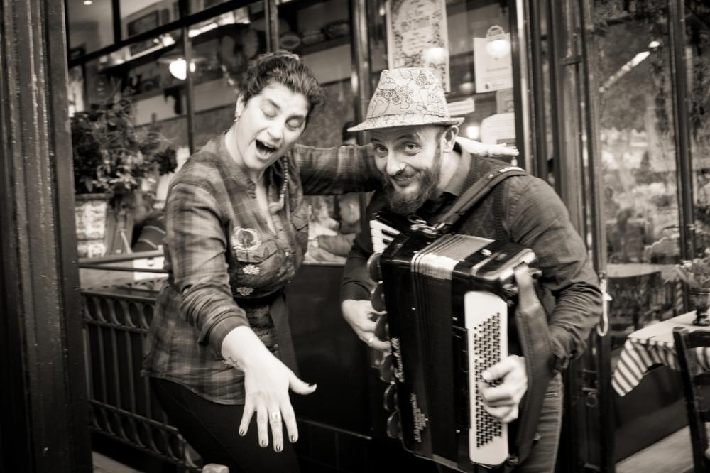 Strolling musicians, Monastiraki, Athens. Sony A9, Leica 35mm f1.4 Summilux