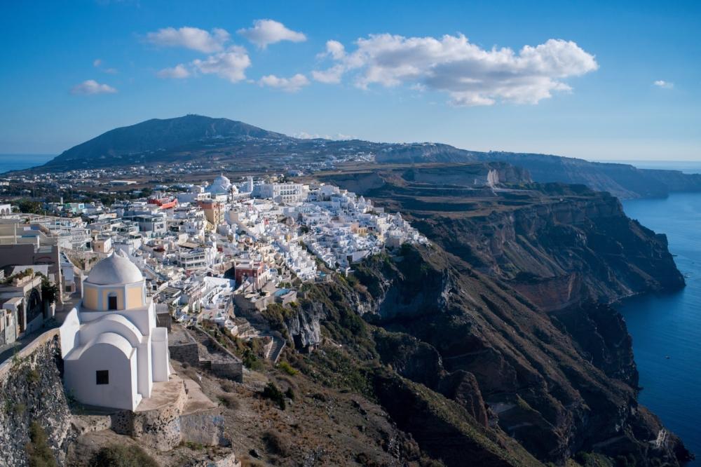 Fira, Santorini.  Sony A9, Leica 50mm f1.4 Summilux