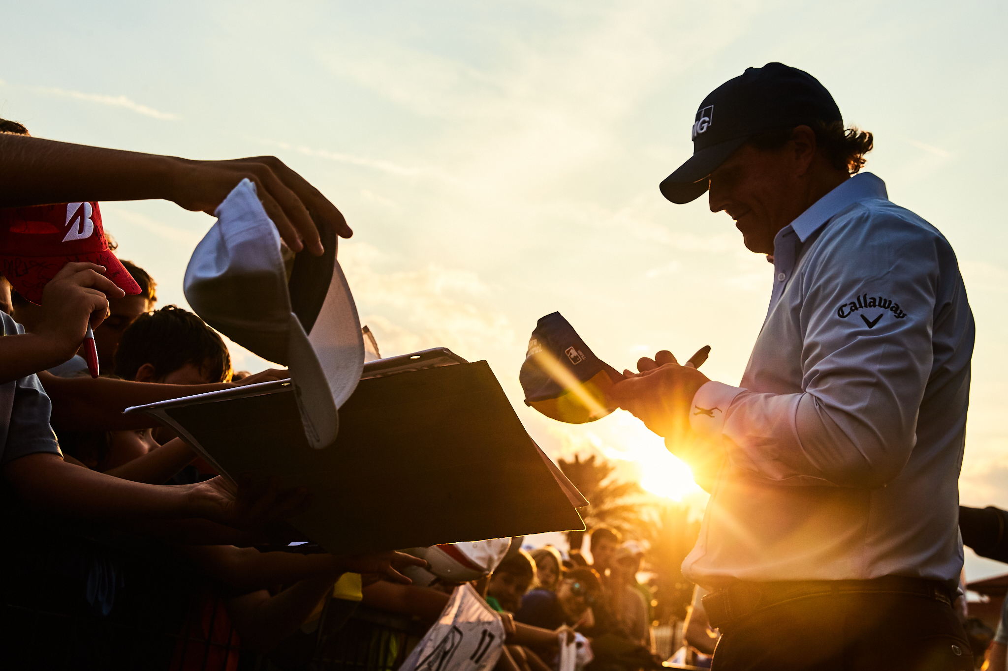 Phil Mickelson at the autograph line . Canon 1DX, Canon EF 24-70mm f2.8L