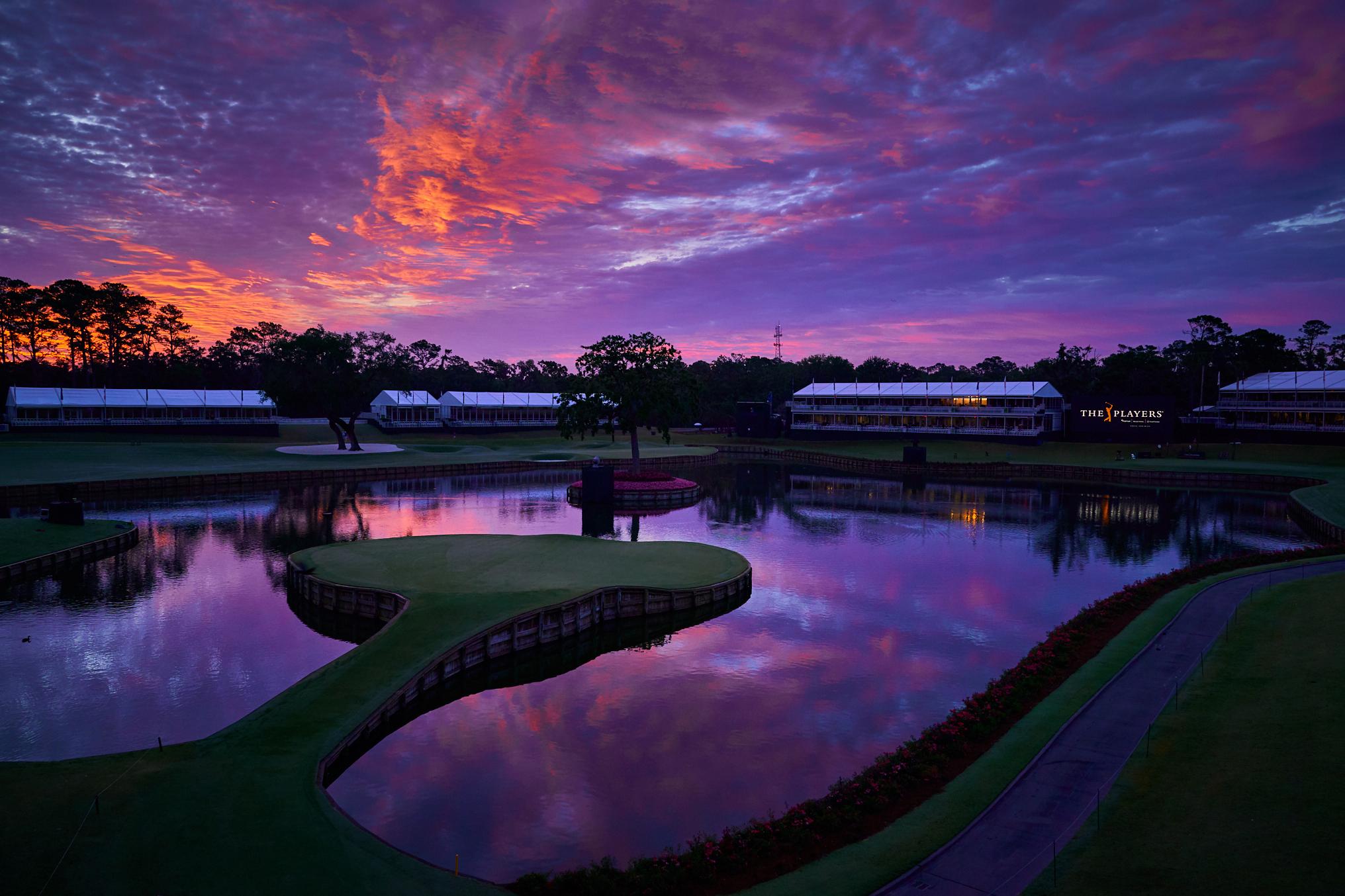 17th green, 2018 Players Championship. .  TPC Sawgrass, Ponte Vedra Beach, Florida. Sony A9, Sony 24-70mm f2.8 G-Master