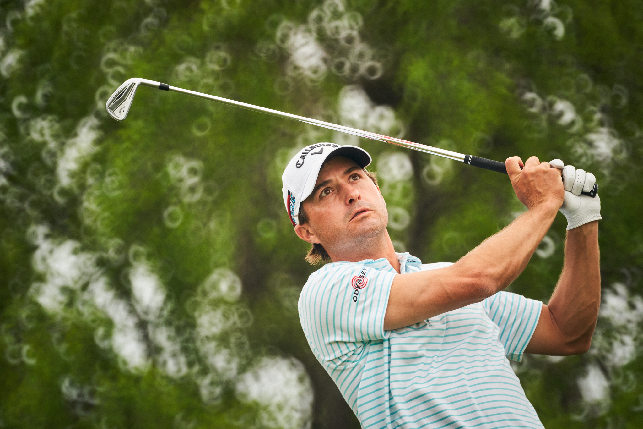 Kevin Kisner tees off at the 11th hole during the 2018 WGC Dell Technologies Match Play Championship at Austin Country Club.  Sony A9, Canon FD 500mm f8 mirror lens  with a Fotodiox Canon FD-Sony E Mount adapter.
