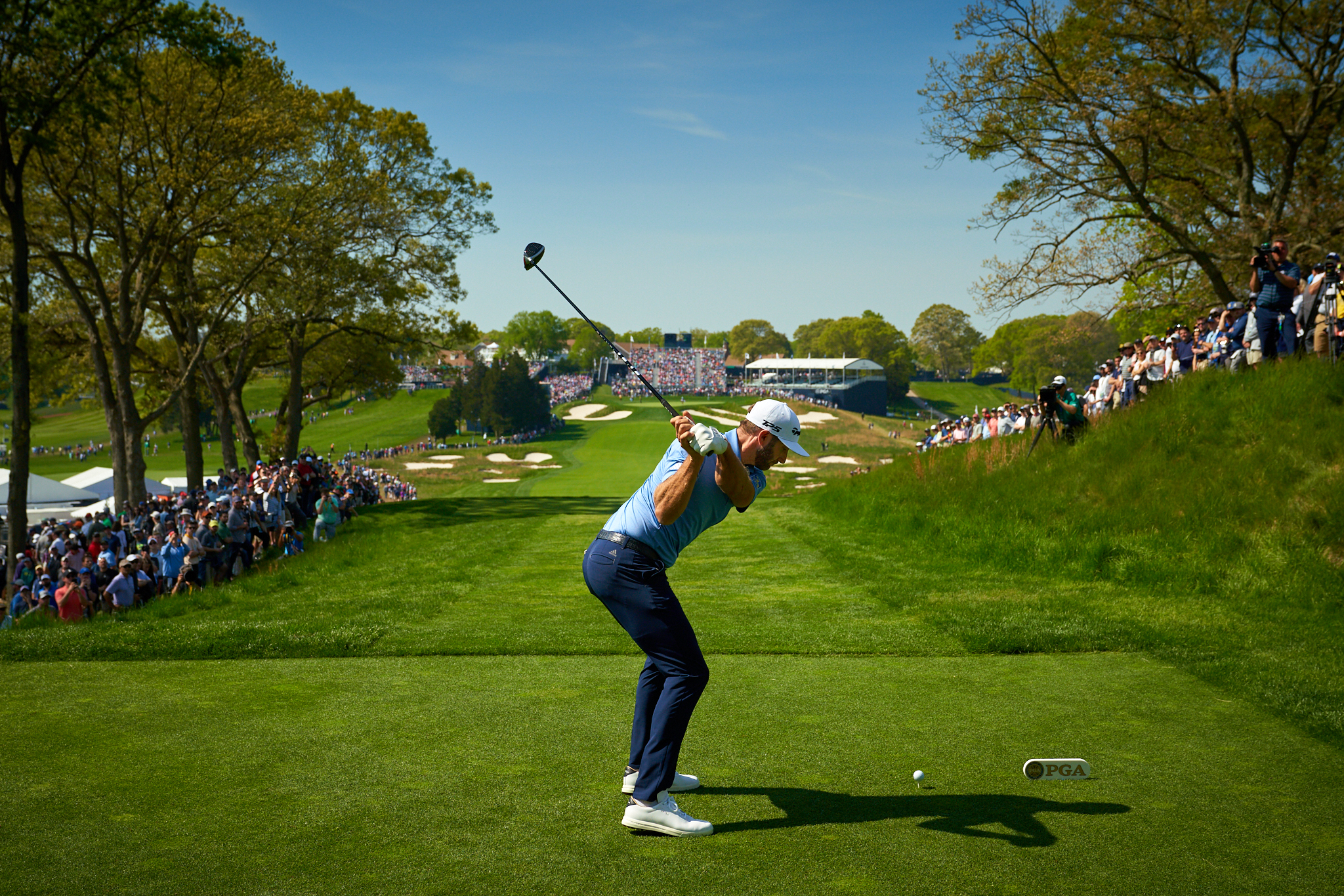 Dustin Johnson tees off at the 18th in the second round.   Sony A7rIII, Sony FE 24-70mm f2.8 GM