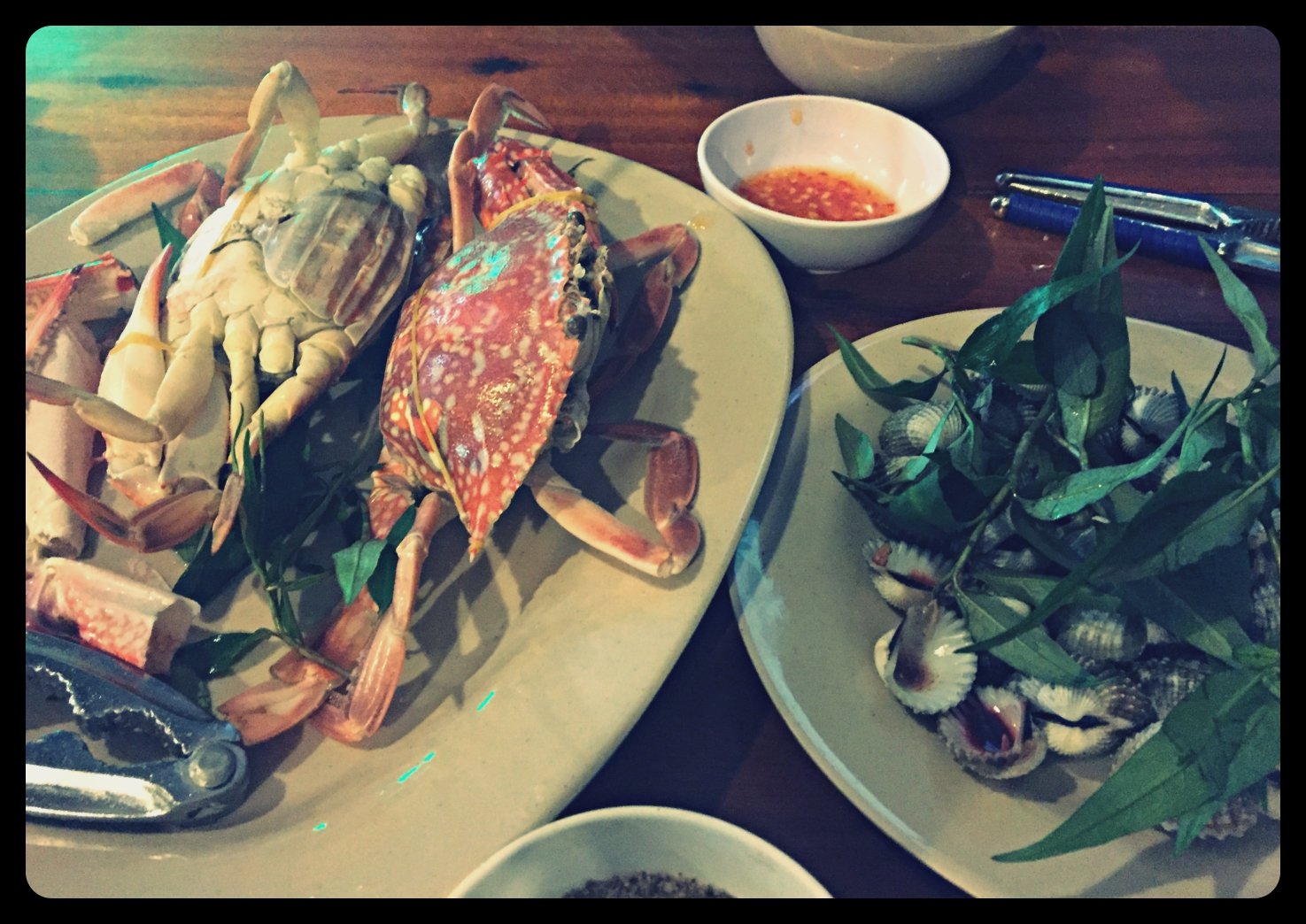 Cooked crabs and bloody mussels