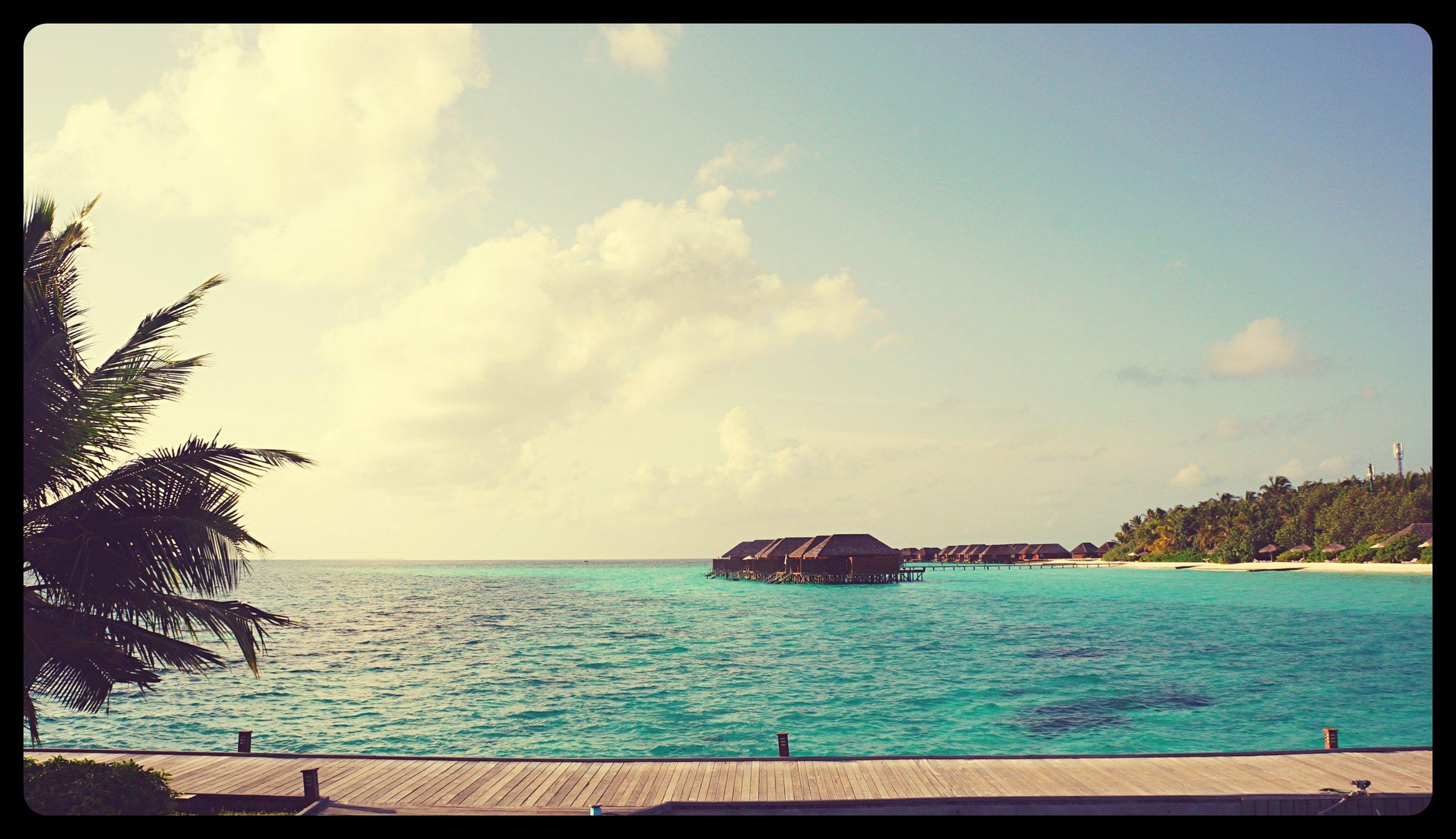 Landing on the Veligandu island