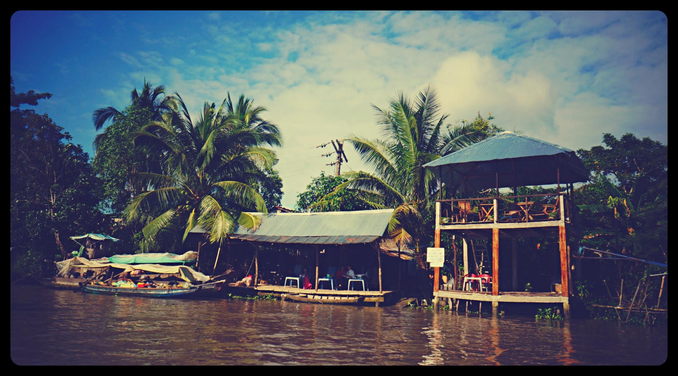 Restauracja na brzegu rzeki