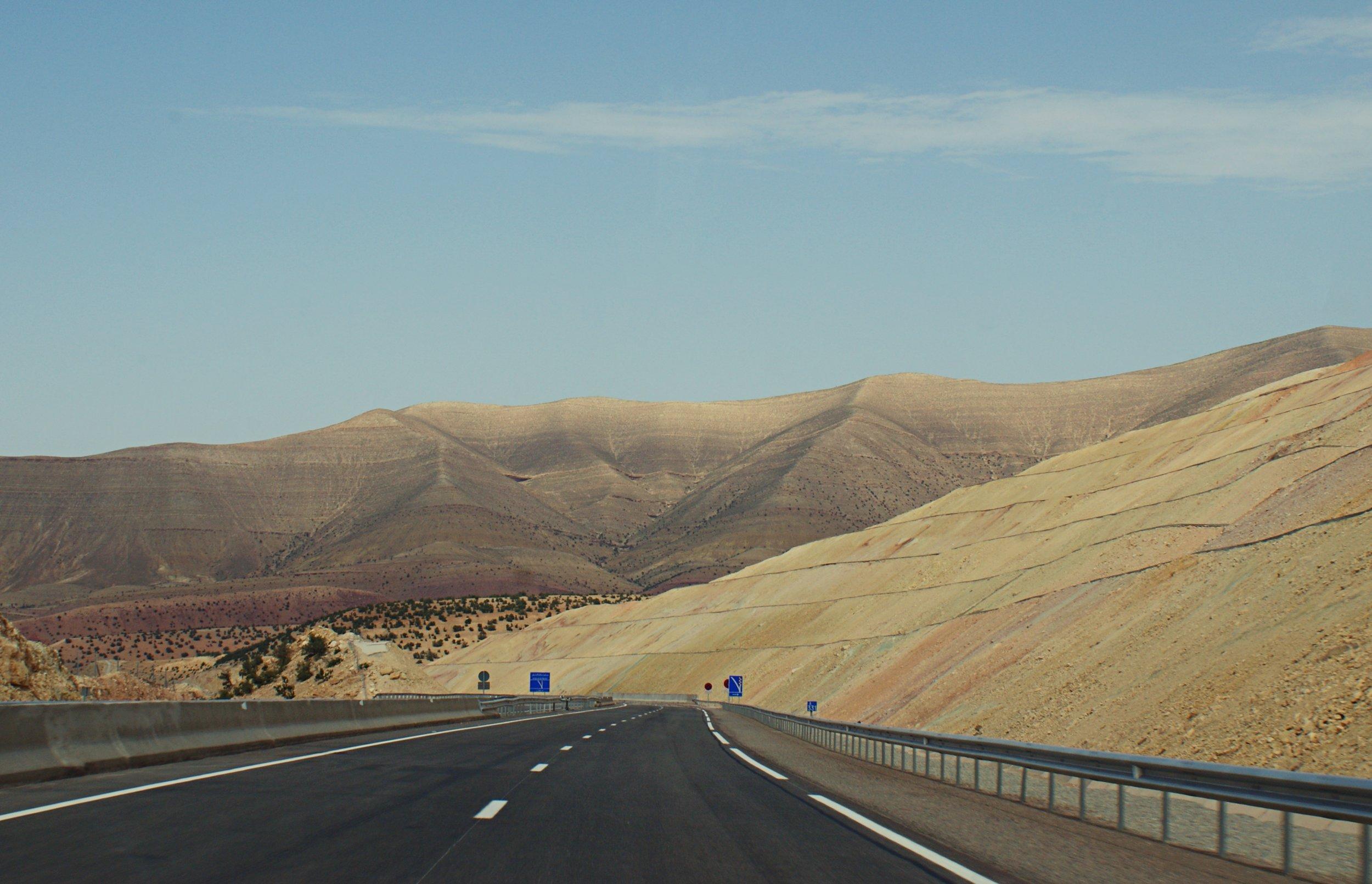 maroko.autostrada.altertonative.JPG