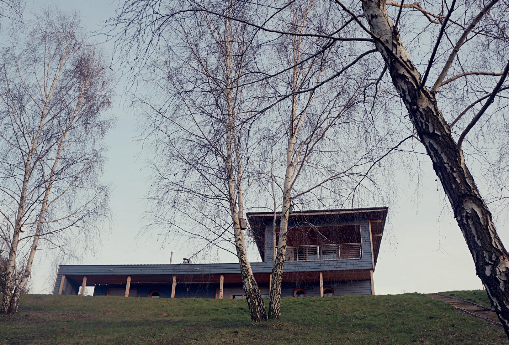 blue-lakehouse2.JPG