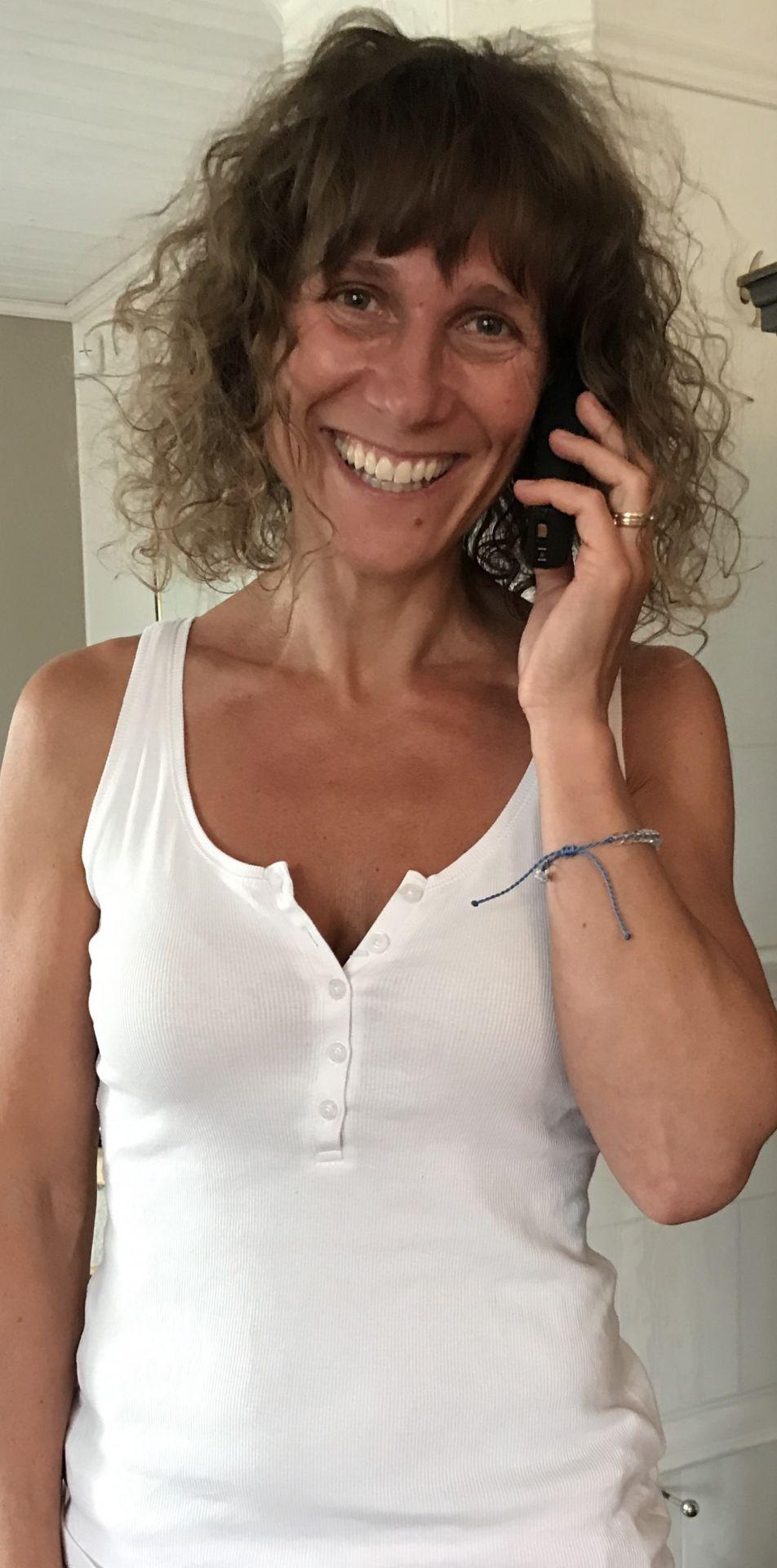 Ta upp telefonen nu på en gång och ring en kompis!