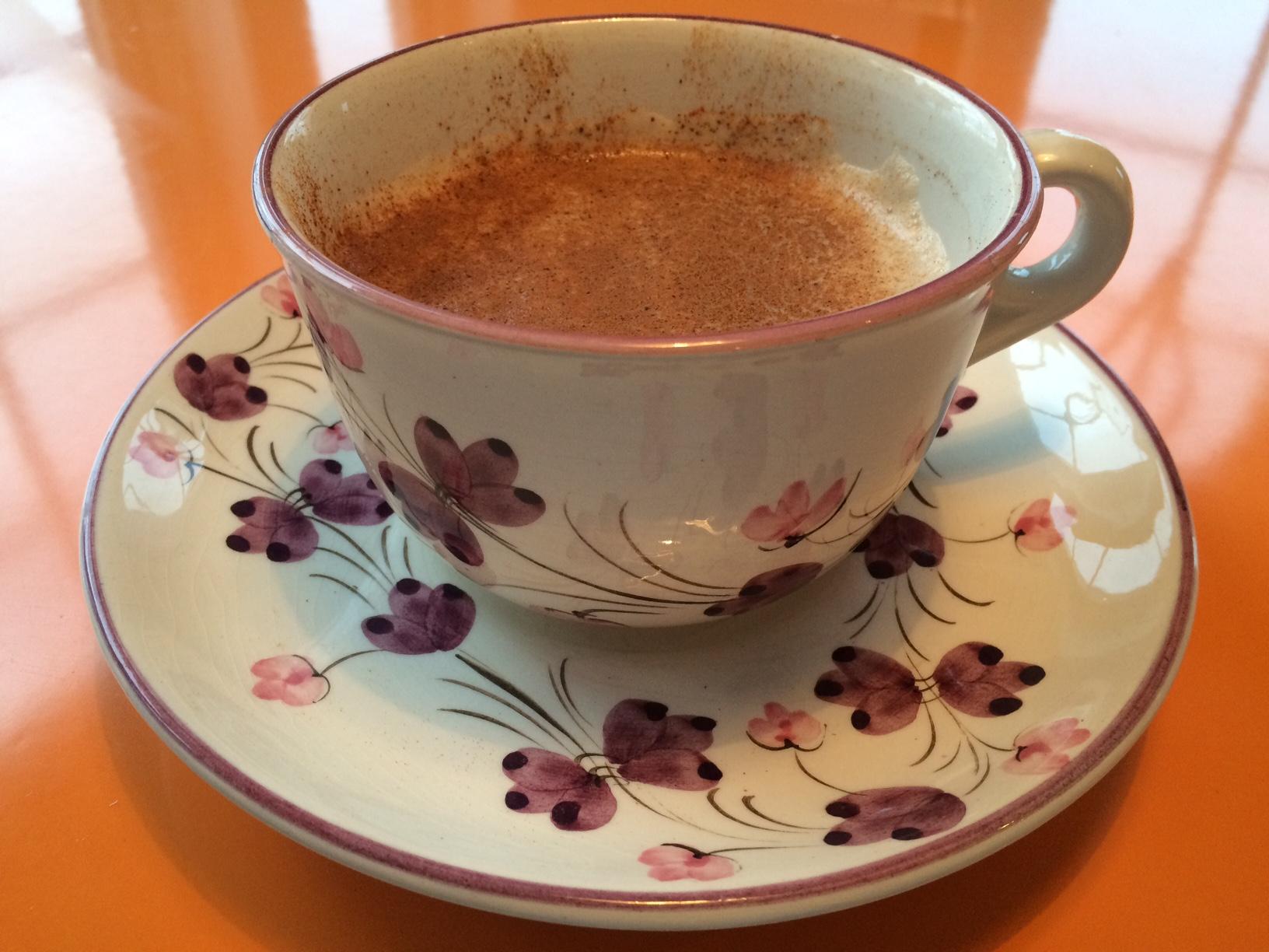 Gissa om jag NJÖT när jag sakta sörplade i mig min morgonlatte ur denna vackra kopp!