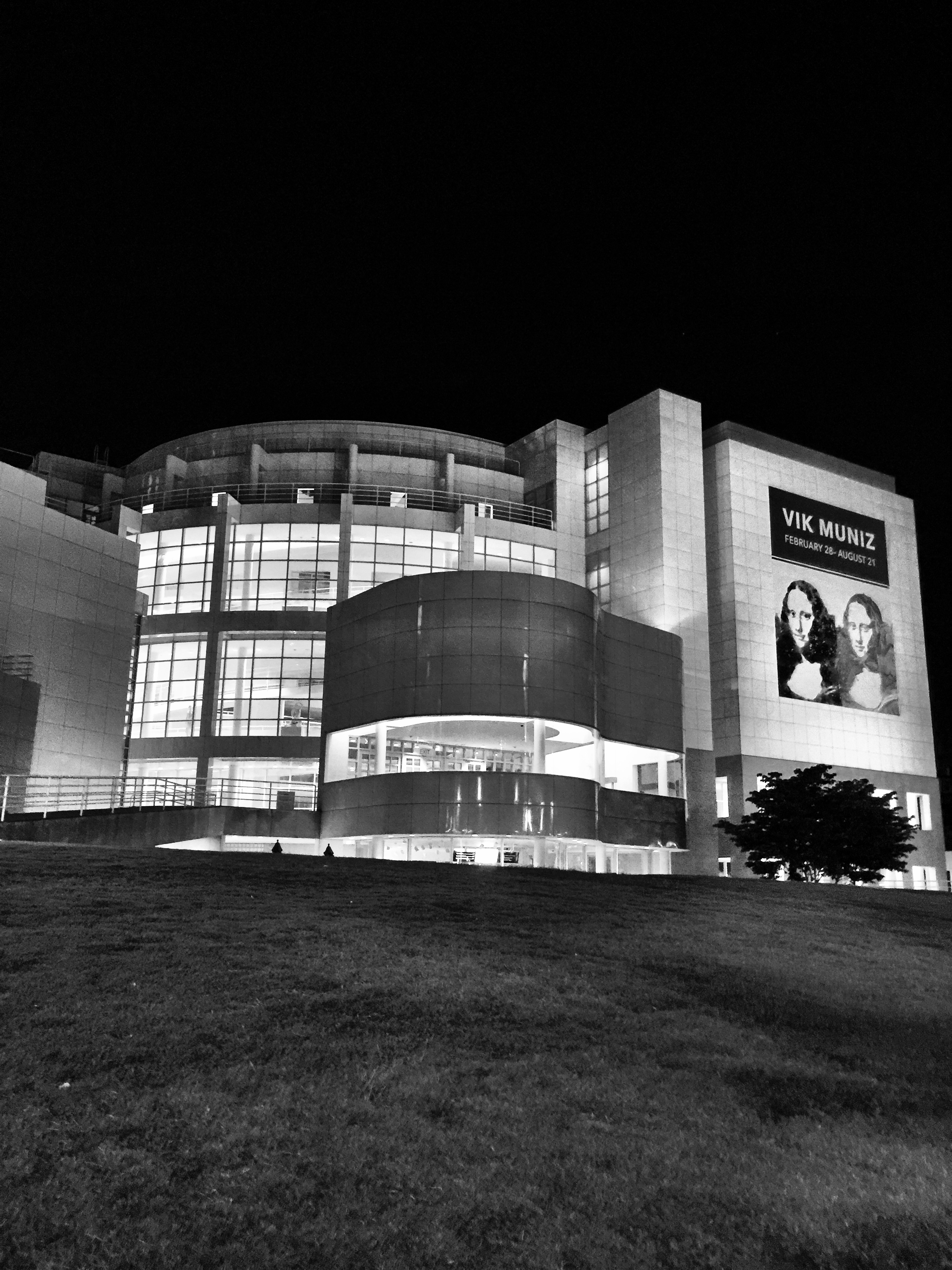 Midtown High Museum Black and White.jpg