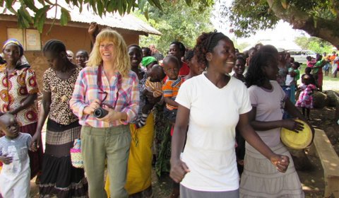 Tonia Hassinger participates in a Chama cha Mamatoto (mother-child group) meeting during a visit to the AMPATH partnership in Eldoret.