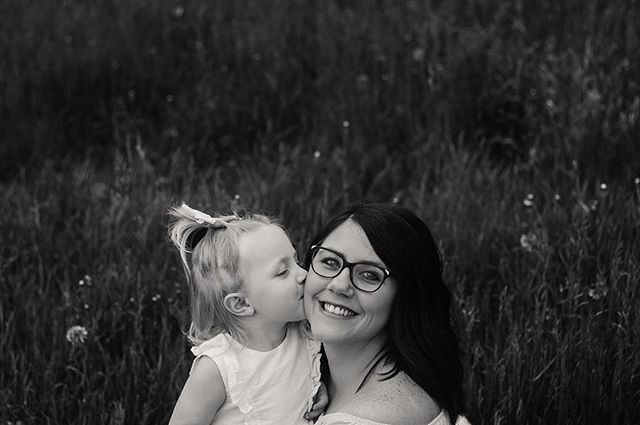 Miss Sterling and Elliott were just too cute with their momma this weekend! Who doesn't love these sweet little Mother's Day sessions 💕💕 @mrs.mackey_  Www.ashleylaurenphotography.net  #ashleylaurenphotography #outdoorphotography #mothersdayminisessions #motheranddaughtergoals #portraitphotography #familyphotography