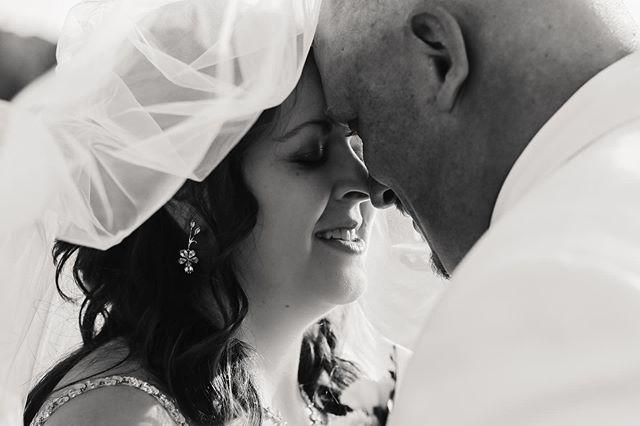 Just some wedding vibes from the Edgell wedding! 💕❤️ such a beautiful bride!  #weddingvibes #edgellwedding #ohioweddingphotographer #husbandwife #harvestridge #veilshots #portraitphotography