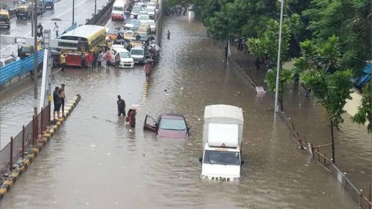 Area around Matunga and Gandhi Market flooded
