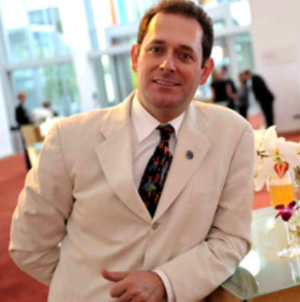 ARMANDO ROSARIOMaster Mixologist & Spirits Educator -