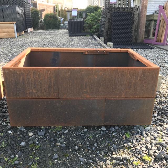 Boxline planter.jpg