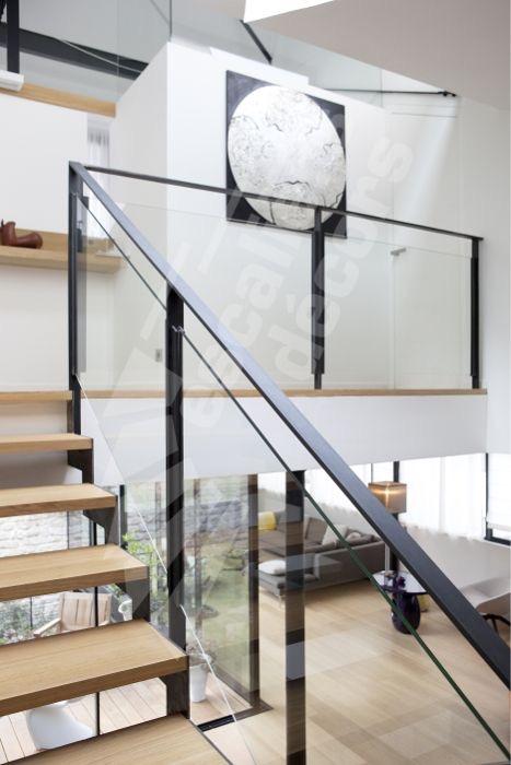 Modern Metal & Glass Railing .JPG