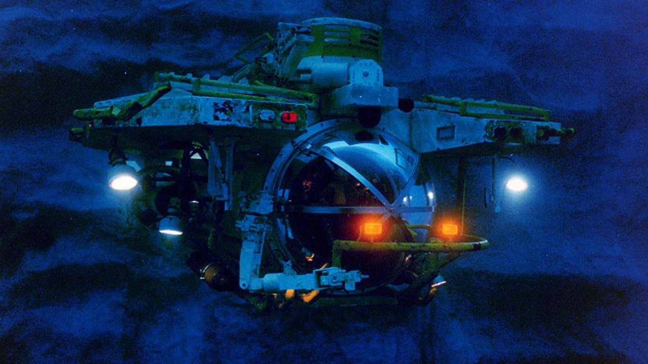 #74) The Abyss - (1989 - dir. James Cameron)