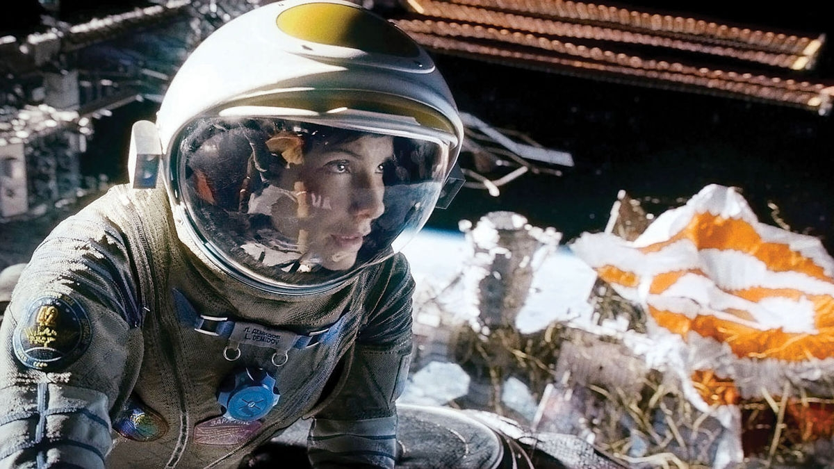 #81) Gravity - (2013 - dir.Alfonso Cuarón)