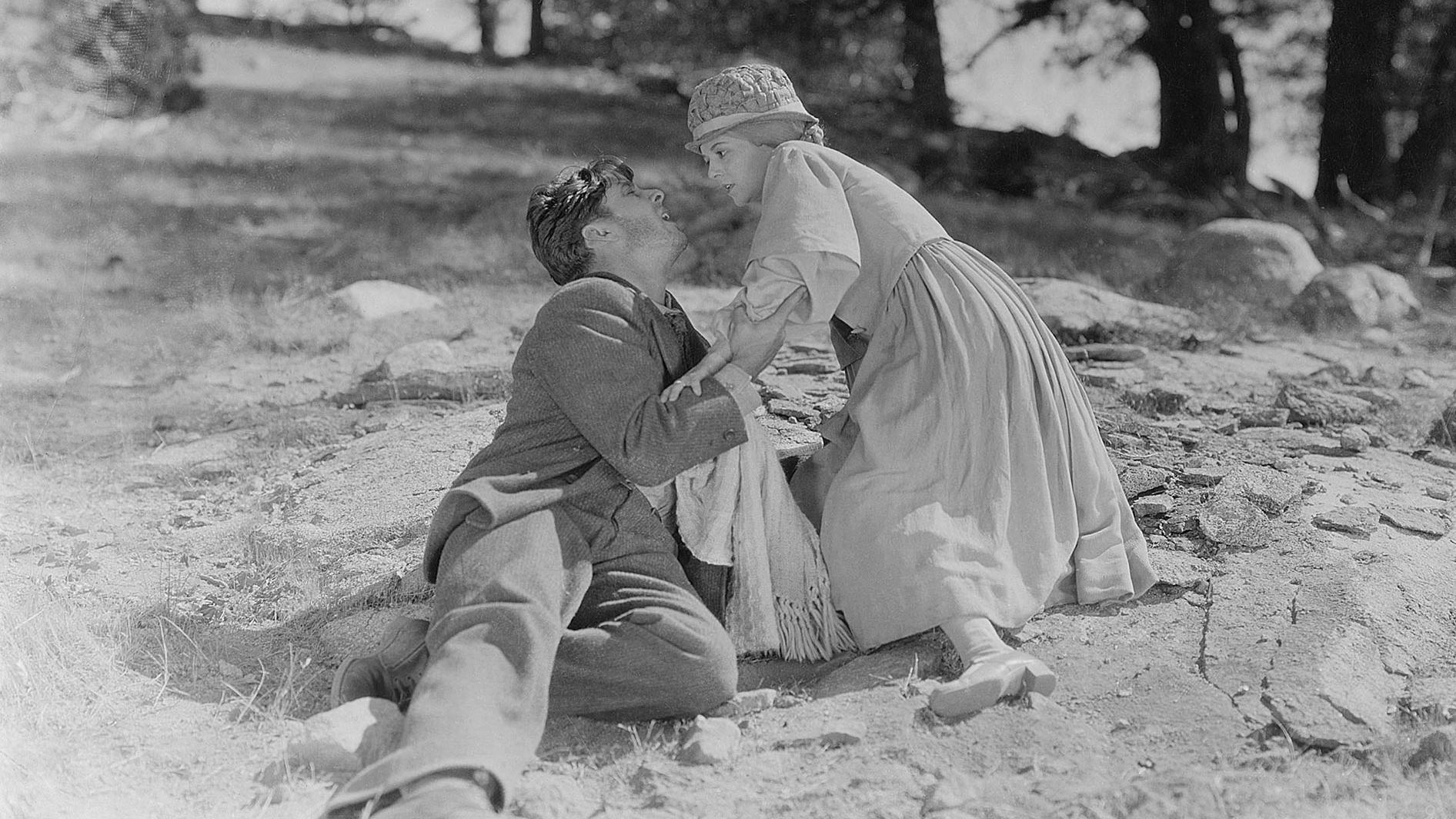 #1) Sunrise: A Song of Two Humans - (1927 - dir. F. W. Murnau)