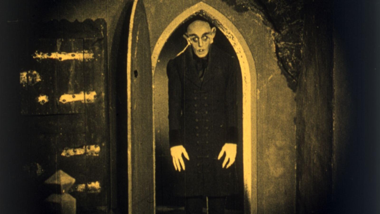 #11) Nosferatu - (1920 - dir. F. W. Murnau)