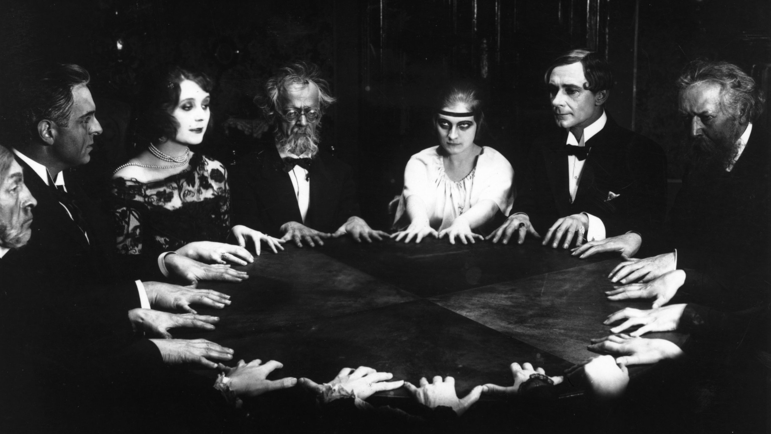 #44) Dr. Mabuse, der Spieler - (1922 - dir. Fritz Lang)