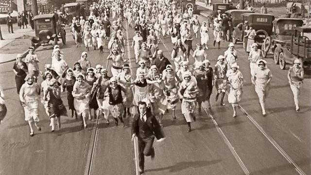 #48) Seven Chances - (1925 - dir. Buster Keaton)