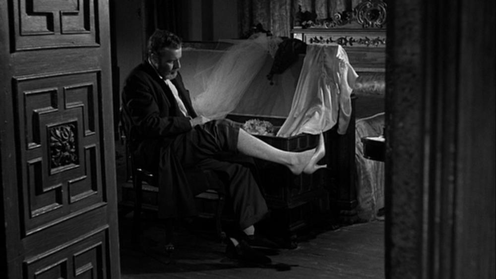 #72) Viridiana - (1961 - dir. Luis Buñuel)