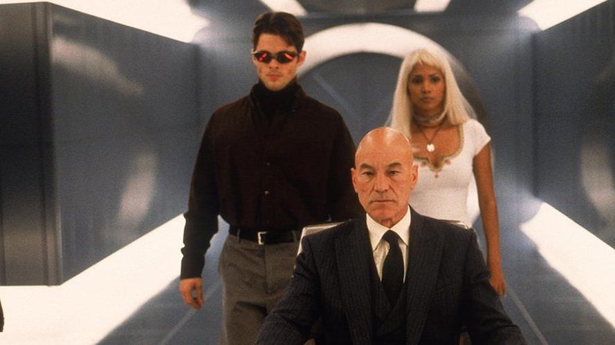 #22) X-Men(+6) - (2000 - dir. Bryan Singer)