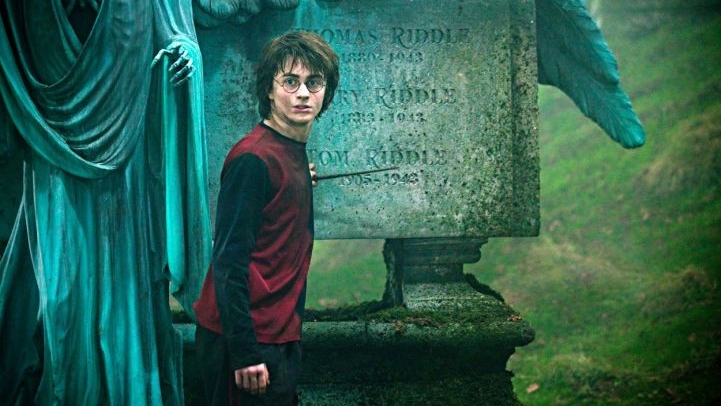 #47)Harry Potter and the Goblet of Fire - (2005 - dir.Mike Newell)