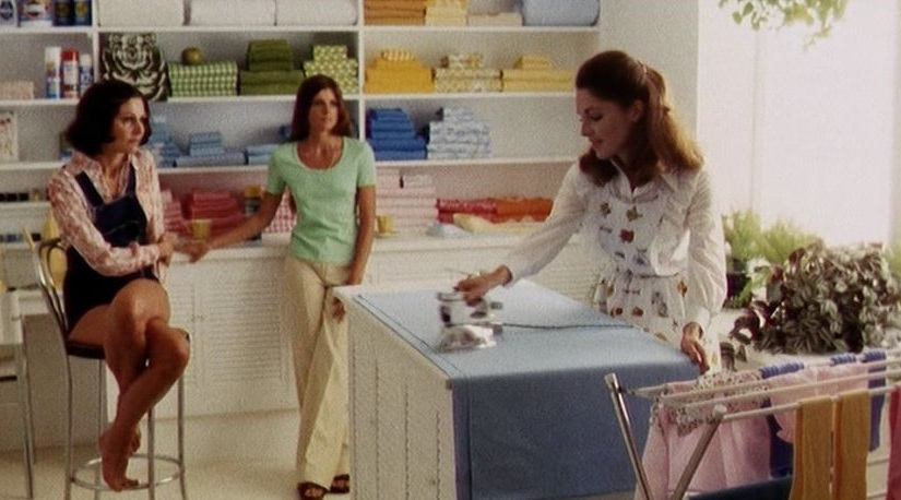 #49) The Stepford Wives - (1975 - dir. Bryan Forbes)