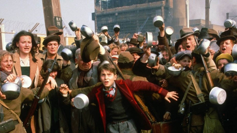 #3) Empire of the Sun - (1987 - dir. Steven Spielberg)