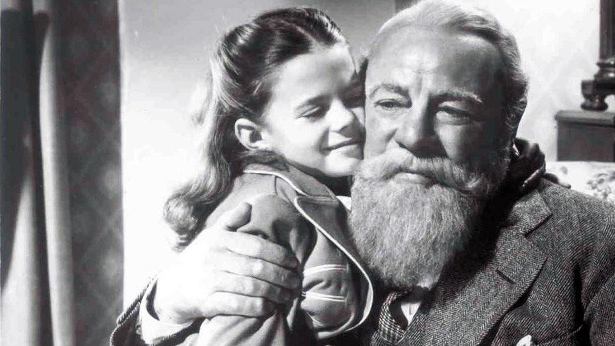 #4) Miracle on 34th Street - (1947 - dir. George Seaton)
