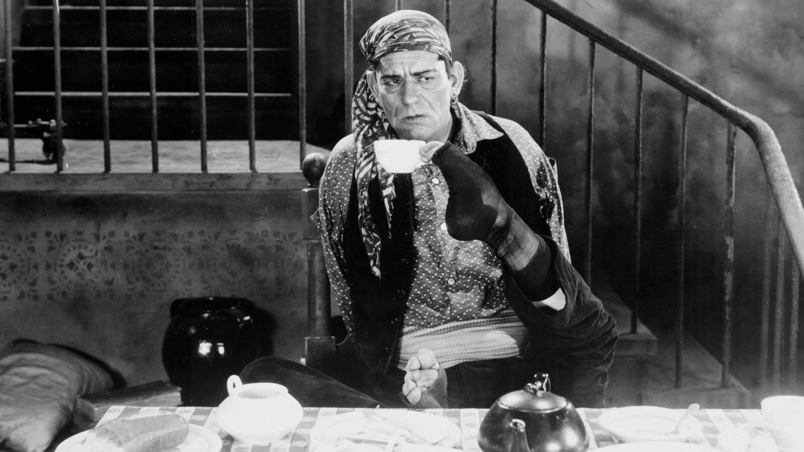 #92) The Unknown - (1927 - dir. Tod Browning)