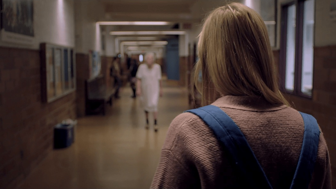 #18) It Follows - (2015 - dir. David Robert Mitchell)